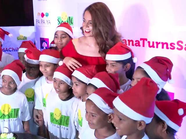 Video : Kangana Ranaut Celebrates Christmas With NGO Kids