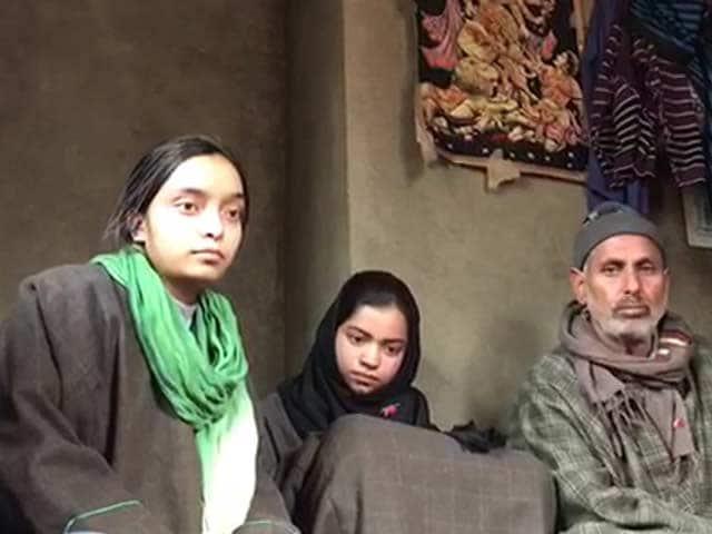 Video : Despite Limited Means, Kashmir Village Supports 4 Orphaned Children