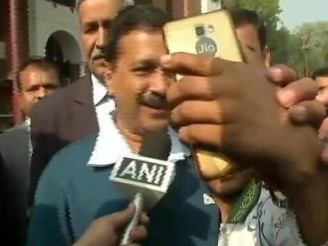 Videos : इंडिया 7 बजे : सड़क हादसों और तेजाब हमले के पीड़ितों का इलाज करवाएगी केजरीवाल सरकार