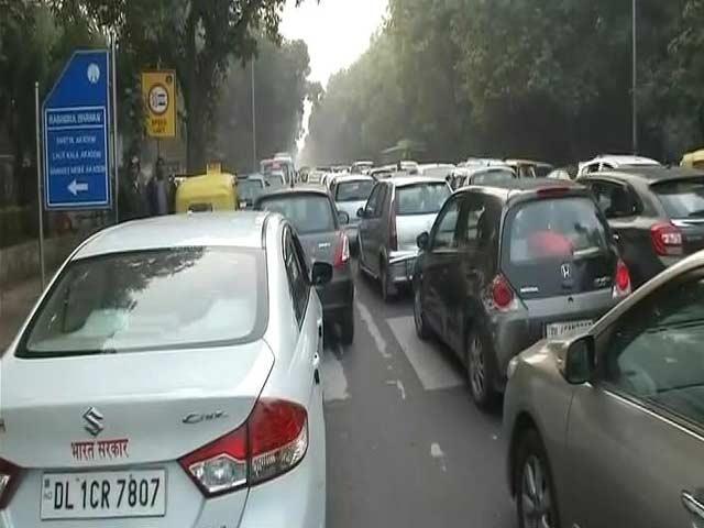Videos : बड़ी खबर : नए साल पर दिल्ली जाम से बेहाल