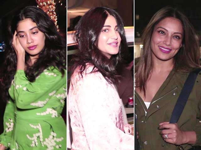 Video : Celeb Spotting: Janhvi, Shruti & Bipasha Hang Out With Friends