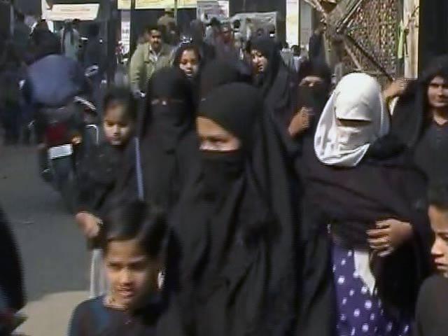 Video : इंडिया 7 बजे : तीन तलाक पर टकराव, विपक्ष चाहता है बदलाव