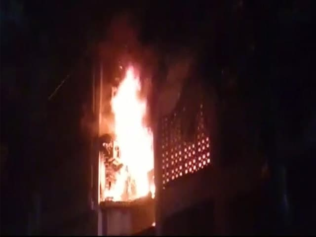 Video : 4 Dead In Fire At A Building In Mumbai's Marol