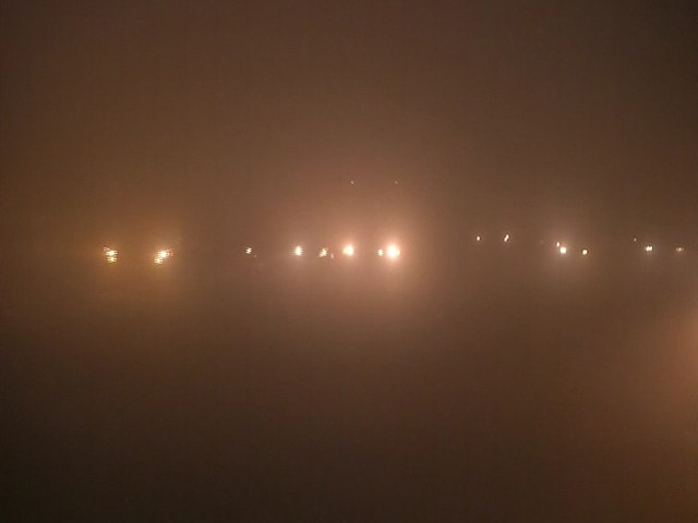 Video : Dense Fog In Delhi, 20 Flights Delayed, 12 Trains Cancelled