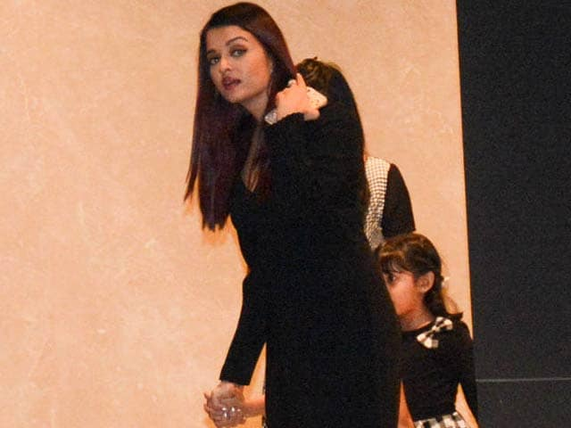 Celeb Spotting! Aishwarya, Abhishek, Arbaaz & Others Snapped