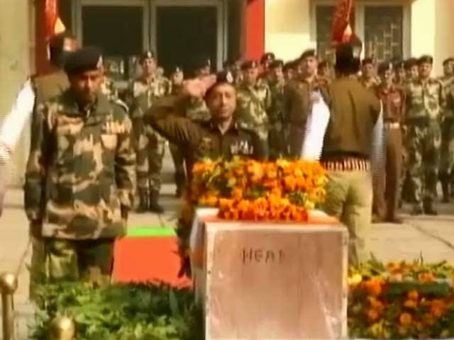 Videos : जवान की शहादत का बदला, भारत ने पाकिस्तानी बंकर उड़ाए, एक घुसपैठिया भी ढेर