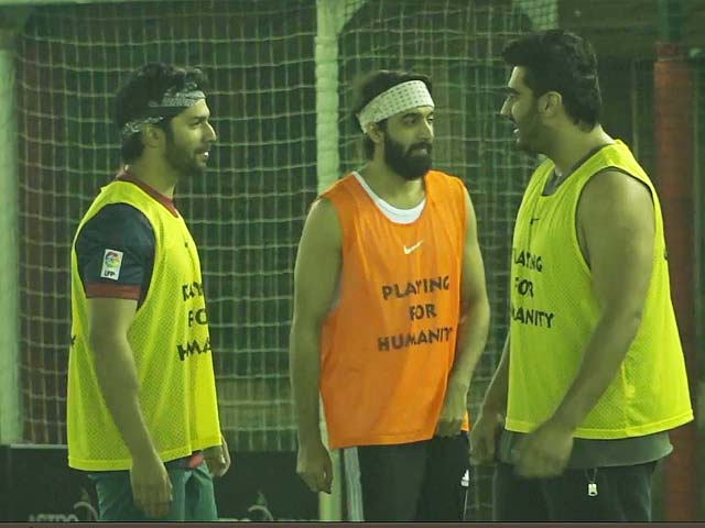 Video : Bend It Like Ranbir Kapoor & Varun Dhawan