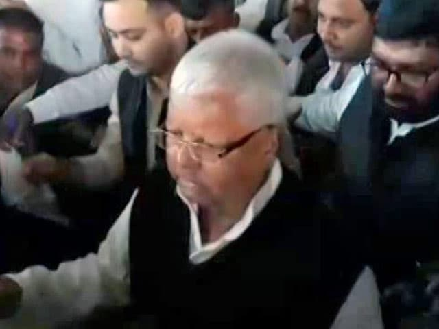 Video : Before Lalu Yadav's Sentence, How 2 Aides Arranged To Be In Jail With Him