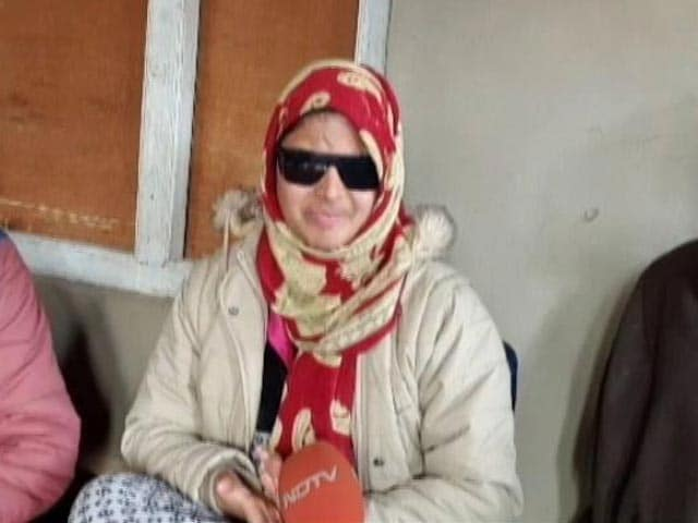 Video : Insha Lost Her Vision To Pellets In Kashmir, Not Hope. Clears Class X Exam