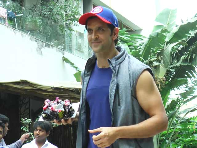 Watch! Hrithik Roshan With His Fans On His 44th Birthday
