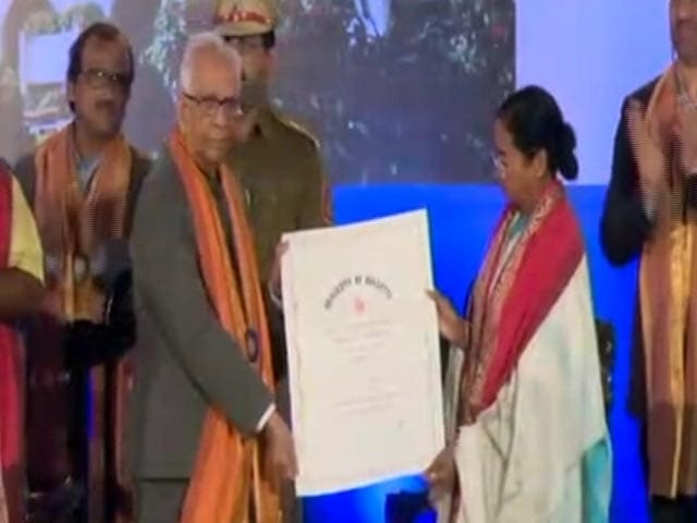 Video : Mamata Banerjee Gets Honourary Doctorate Amid Court Hearing Against It