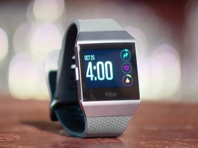 Video : Fitbit Turns Smart