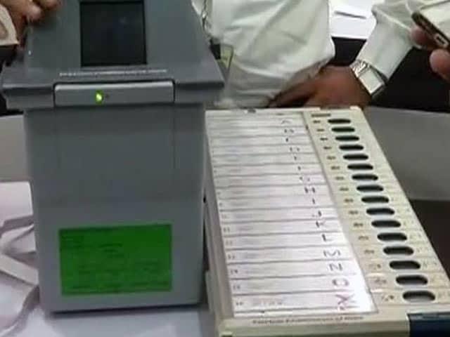 Videos : प्राइम टाइम इंट्रो : चुनाव आयोग की साख पर सवाल