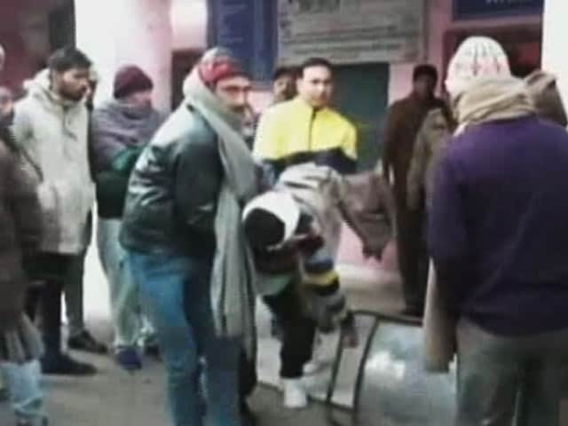 Videos : जम्मू-कश्मीर : पाकिस्तान की ओर से गोलीबारी, 3 नागरिकों की मौत