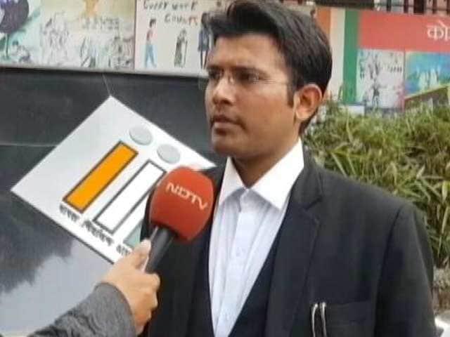 Videos : AAP के 20 विधायक अयोग्य करार : याचिकाकर्ता वकील ने कहा, 'फैसले से संतुष्ट हूं'