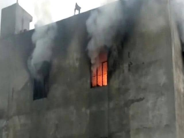 Video : 10 Women Among 17 Killed In Fire At Cracker Warehouse In Delhi