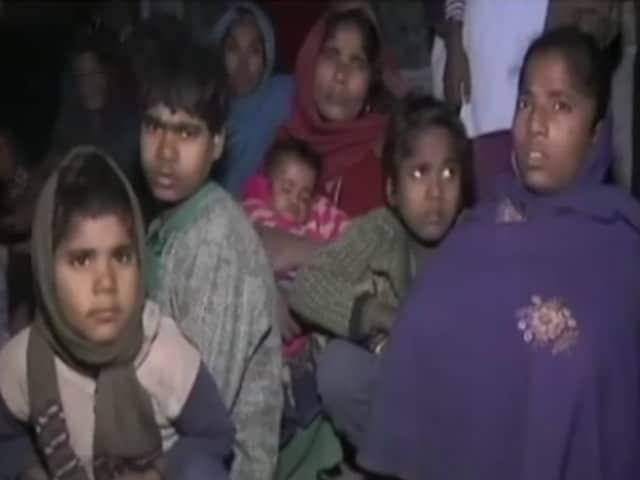 Videos : यूपी : लोन रिकवरी एजेंट ने किसान को ट्रैक्टर से कुचलकर मार डाला