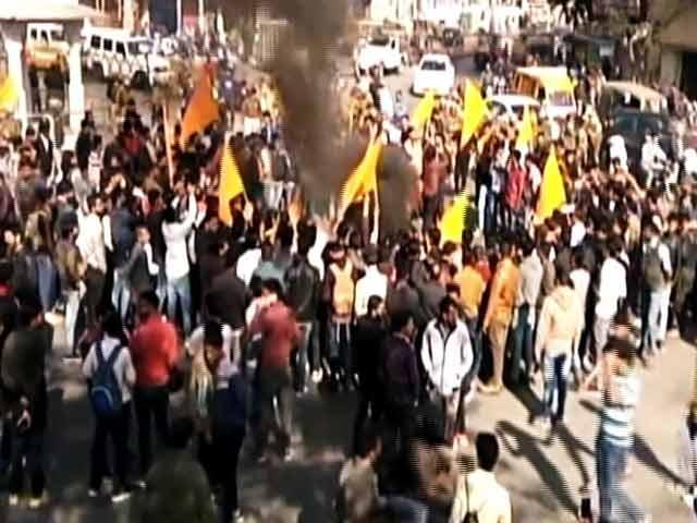 Videos : क्या हिंसा को मिल रहा है सरकार का समर्थन ?
