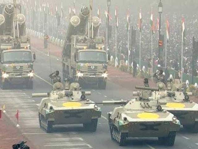 Videos : गणतंत्र दिवस के मौके पर टी-90 टैंक्स का प्रदर्शन