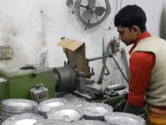 Videos : परेशानी में छोटे कारोबारी, बजट से लगा रखी हैं कई उम्मीदें