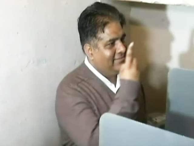 Video : राजस्थान : लोकसभा की दो और विधानसभा की एक सीट के उपचुनाव के लिए मतदान जारी