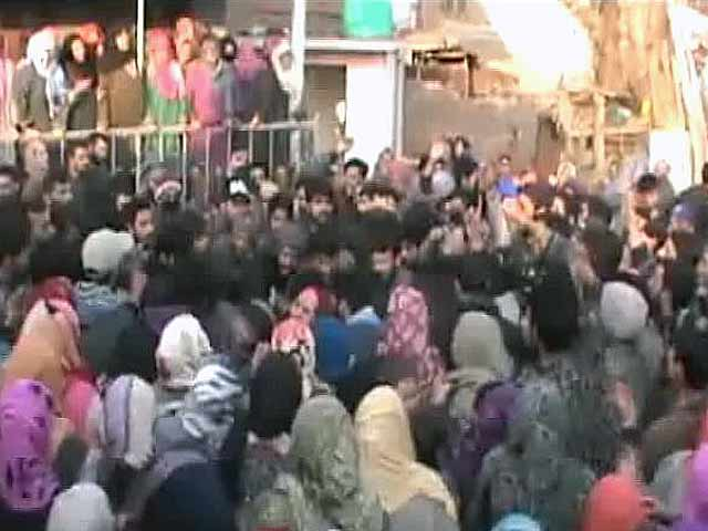Video : Mehbooba Mufti Vs BJP As Army Is Charged With Murder For Civilian Killing