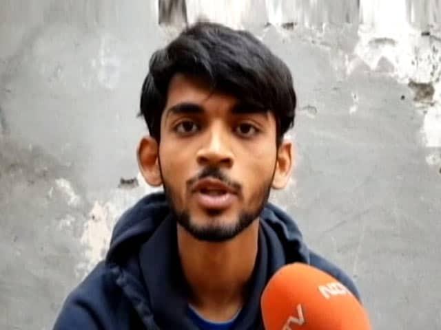 Videos : दिल्ली में झूठी शान के लिए 23 साल के लड़के की हत्या, तीन आरोपी गिरफ्तार