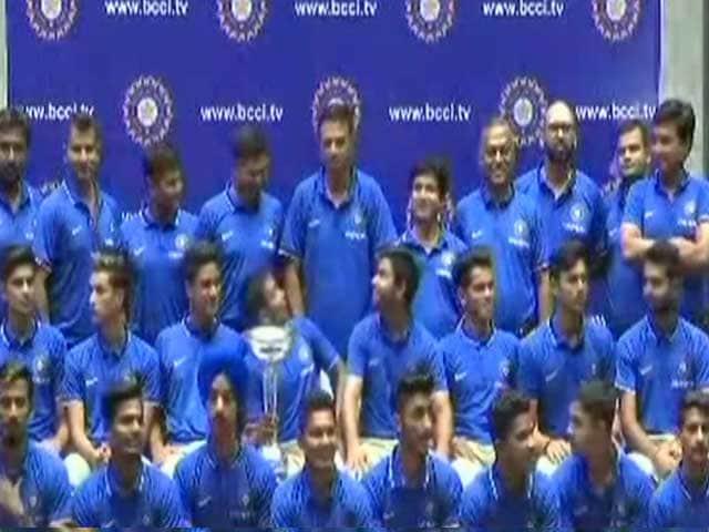 Video : मुंबई: भारतीय U-19 टीम का जमकर हुआ स्वागत, ऑस्ट्रेलिया को हराकर जीता था खिताब