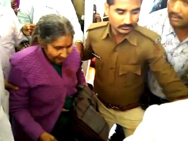 Video : PM Modi's Wife Jashodaben Has Narrow Escape As Her Car Hits Truck In Rajasthan