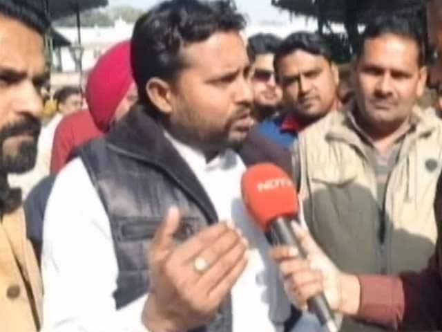 Videos : उत्तर प्रदेश के शिक्षा मित्रों ने की राहुल गांधी से मुलाकात