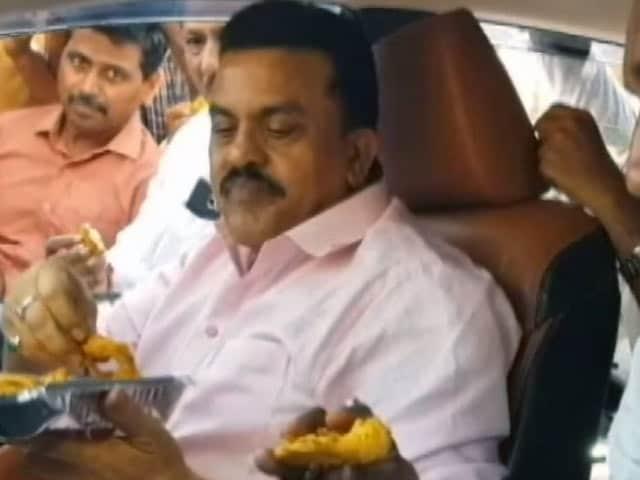 Video : पकौड़े पर राजनीति, मुंबई में कांग्रेस ने किया विरोध प्रदर्शन