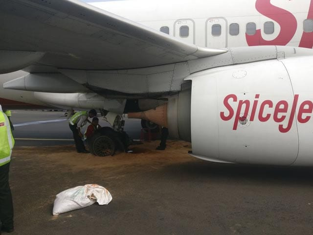 Video : SpiceJet Flight Tyres Burst At Chennai Airport, Main Runway Closed