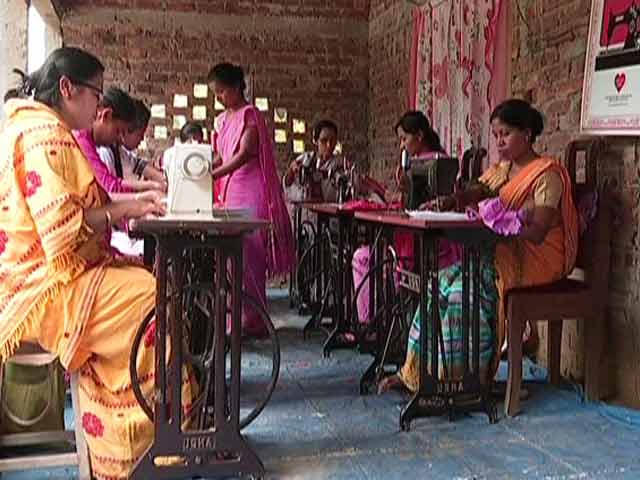 Video : A Glimpse Of How Women At USHA Silai School Are Starting Their New Journey