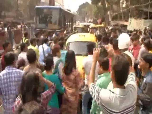 Video : Protests At Kolkata School After Alleged Sexual Assault On Class 2 Student
