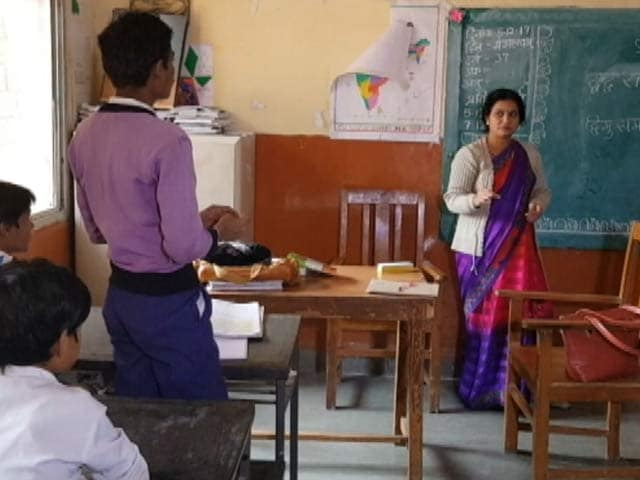 Video : Dress Code For Over 2.5 Lakh Madhya Pradesh Teachers, To Get NIFT-Designed Jackets