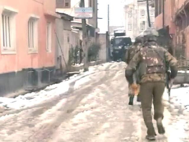 Videos : Top News @8.00AM :  श्रीनगर में अब भी इमारत में छिपे हैं 2 आतंकी