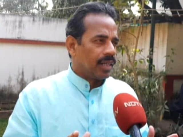 Videos : शहीद के परिवार को अधिकतम सहयोग दिया जाएगा: मंत्री विनोद सिंह