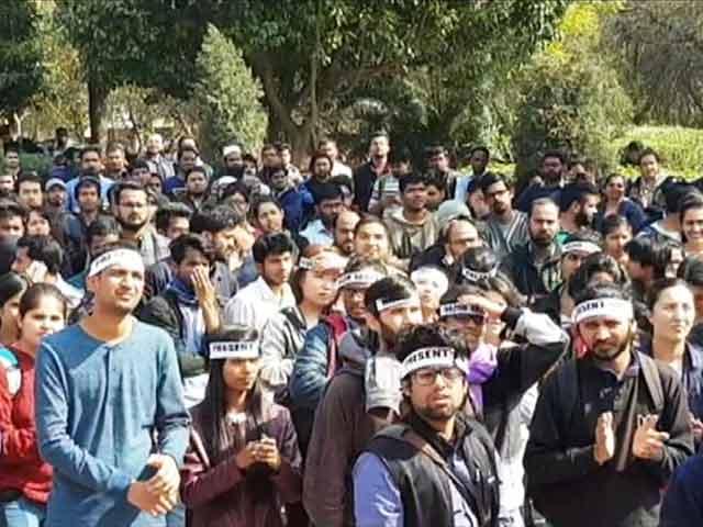 Videos : न्यूज टाइम इंडिया: JNU में हाजिरी पर कुलपति का घेराव