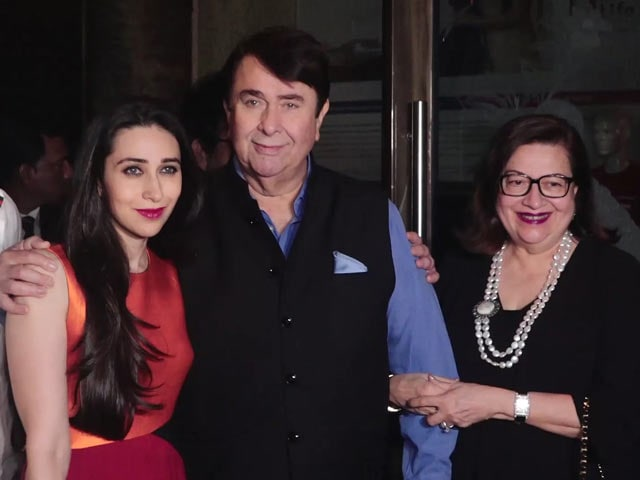 Karisma, Kareena & Rishi Kapoor At Randhir Kapoor's Birthday Dinner