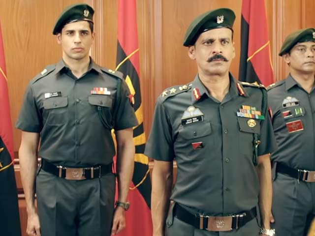 Video : First Impressions Of Sidharth Malhotra & Manoj Bajpayee's <i>Aiyaary</i>