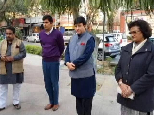 Video : मुकाबला : दिल्ली में सीलिंग पर सियासत और सवाल