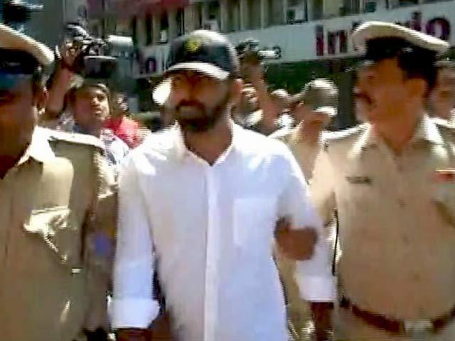 Video : Congress MLA's Son, Accused Of Thrashing Man In Bengaluru, Surrenders