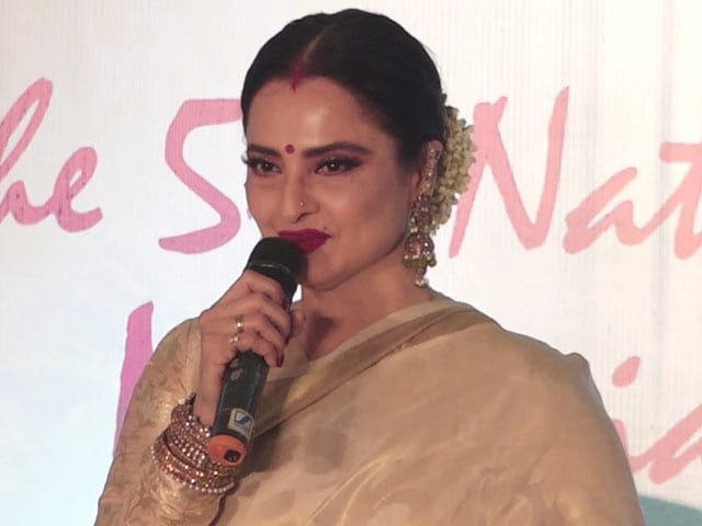 Video : Rekha On Her Association With Asha Bhosle & Lata Mangeshkar
