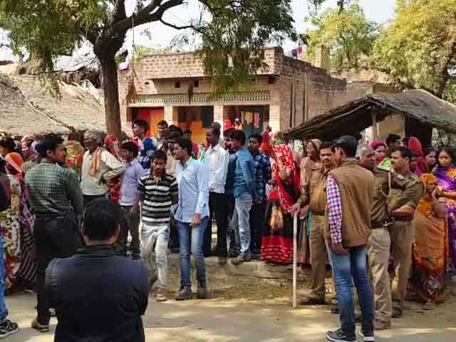 Video : Teen Burnt To Death Outside Her Village In UP's Unnao