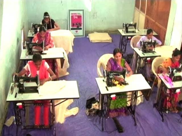 Video : The Dream Run Of <i>Silai</i> School Women Continues