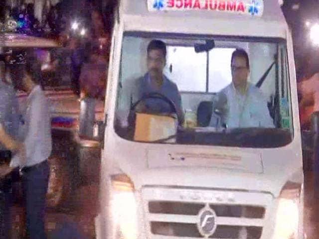 Video : सिटी सेंटर : मुंबई पहुंचा श्रीदेवी का पार्थिव शरीर