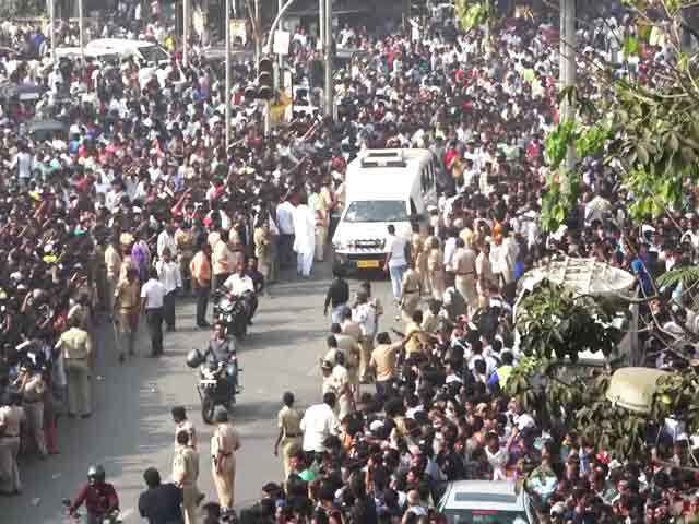 Video : Sridevi Cremated With State Honours, Thousands Pay Last Respects
