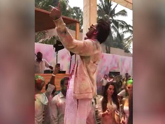 Ranveer Steals The Spotlight At Holi Party For Pharrell Williams