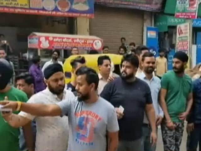 Video : होली के हुड़दंग में चली गोली