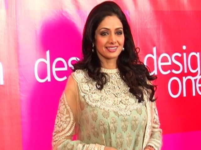 Videos : जाह्नवी की शॉपिंग करने के लिए दुबई में रूकी थी श्रीदेवी